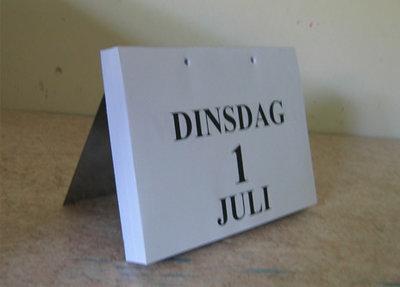Kalenderstandaard dag-scheurkalender